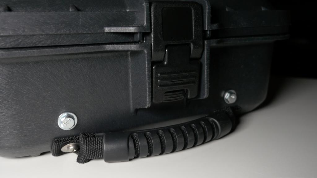 Plano Molding Slider Case 17